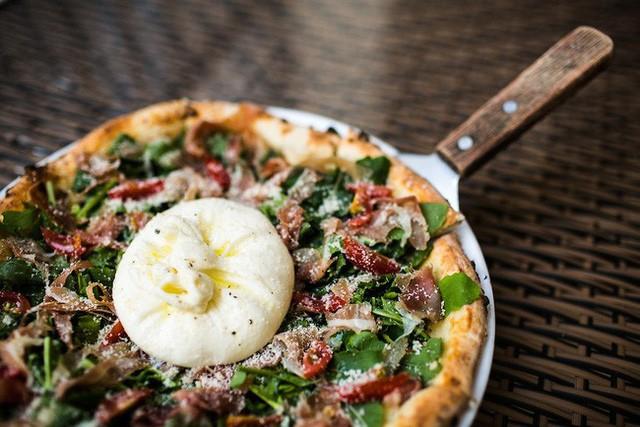 Pizza 4P's, câu chuyện khởi nghiệp truyền cảm hứng từ sở thích của bạn gái cũ, học làm phomai qua Youtube FnB Việt Nam