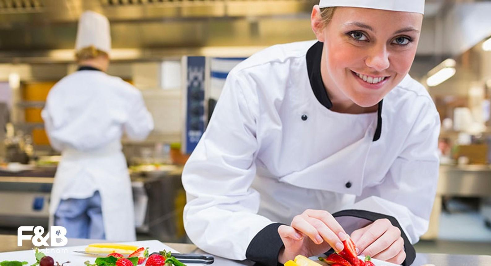 hình ảnh bếp nhà hàng - nội dung facebook nhà hàng