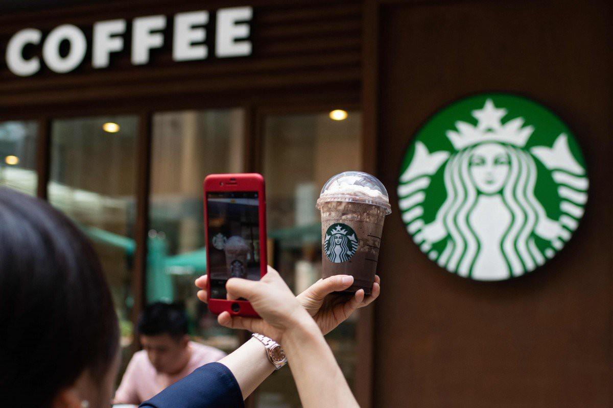 Đặt cà phê qua loa thông minh, nhận hàng trong 30 phút: Cú đột phá của Starbucks và Alibaba ở Trung Quố