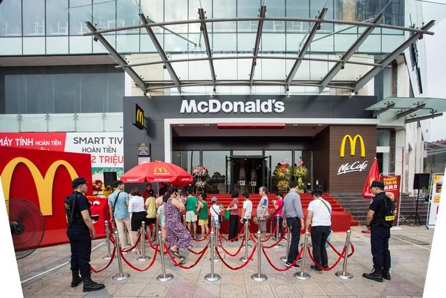 Thị trường gà rán 2020: Vị Tây đấu vị Đông FnB Việt Nam