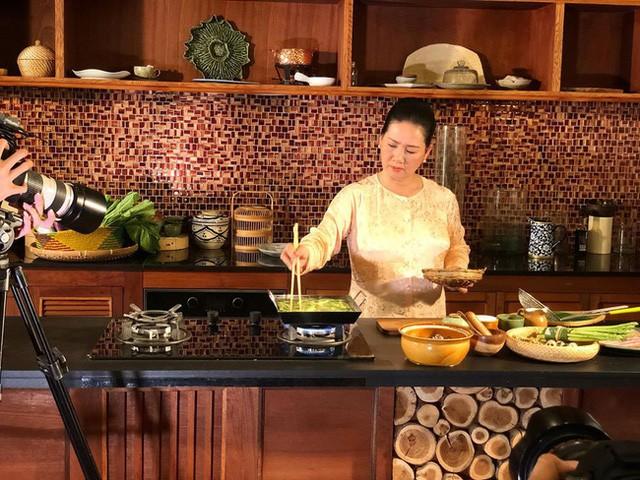 """""""Viết cho các bạn muốn khởi nghiệp ngành ẩm thực"""" - chia sẻ từ nghệ nhân ẩm thực Đoàn Thu Thủy FnB Việt Nam"""