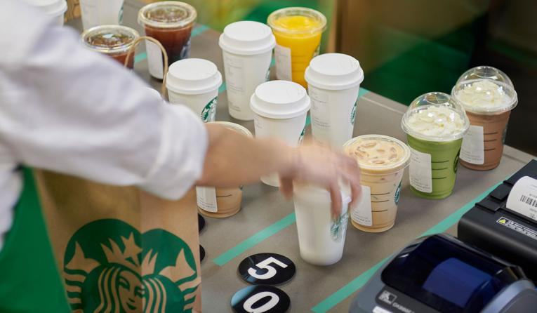 Starbucks Expands Delivery China 1100 Stores (1)