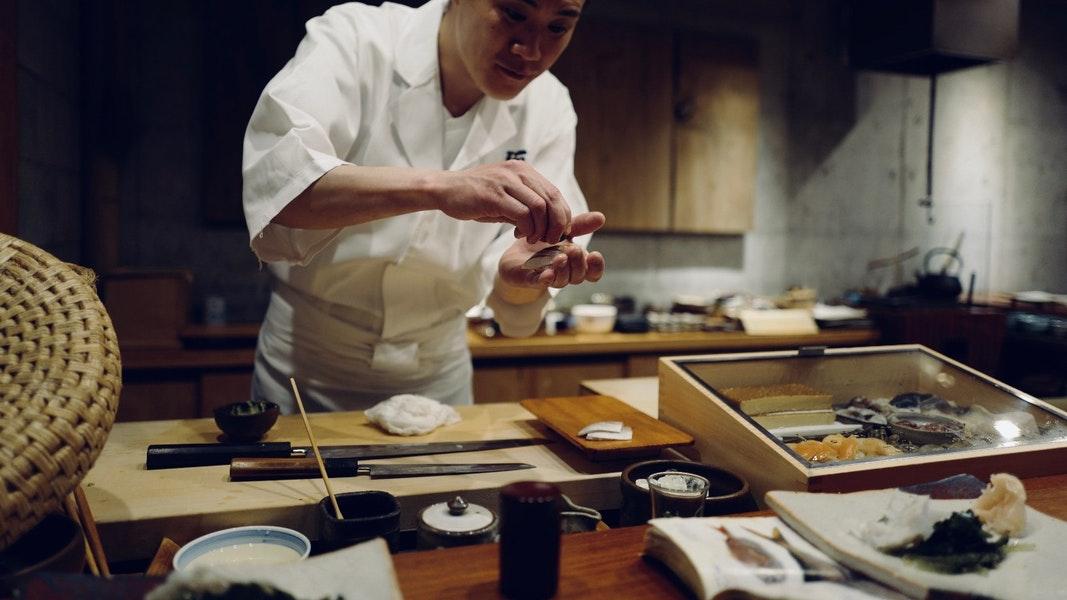 dau bep sushi