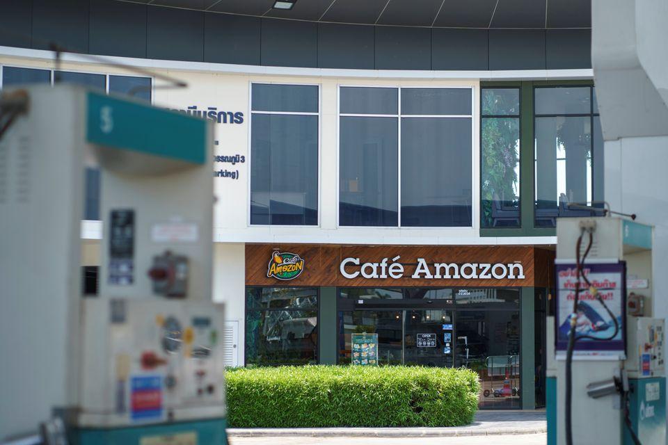 Cửa hàng Café Amazon đặt cạnh các cây xăng tại Thái.