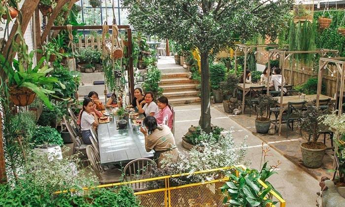 kinh nghiệm mở quán cafe sân vườn