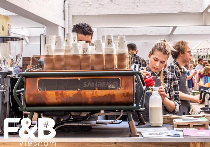 Đầu tư vào chất lượng dịch vụ khi mở quán cafe