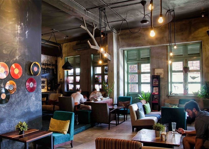 Có Nên Mở Quán Cafe Trong Hẻm Không?