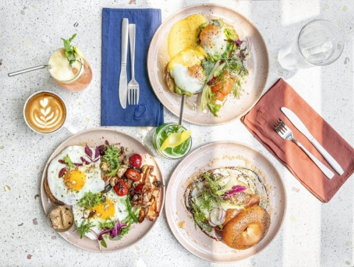 Các Món Ăn Sáng Tại Quán Cafe