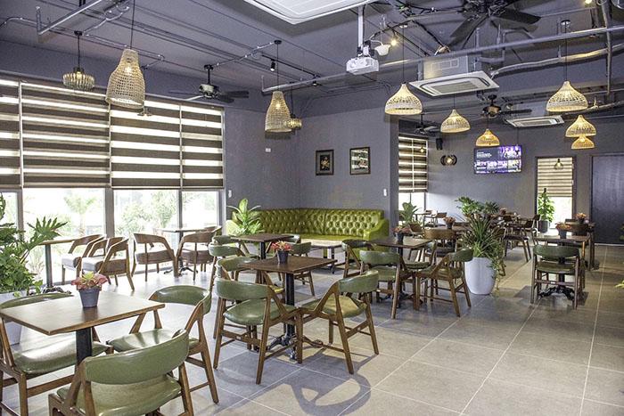 Nội Thất Đơn Giản Của Quán Cafe Cho Dân Văn Phòng