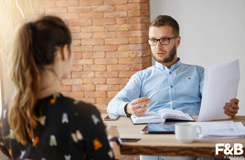 Nên tuyển dụng nhân viên thời vụ hay cố định