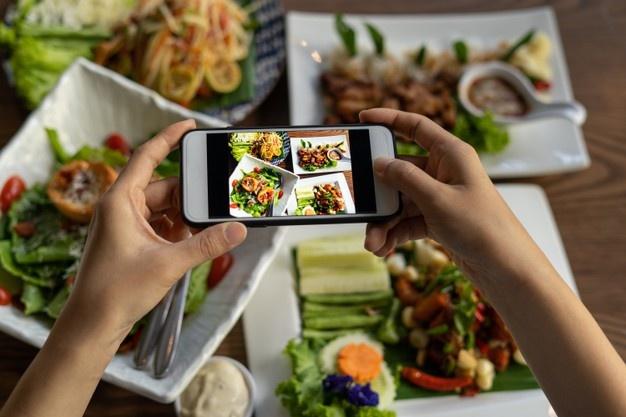 Sức mạnh của những bài review đồ ăn trên mạng xã hội